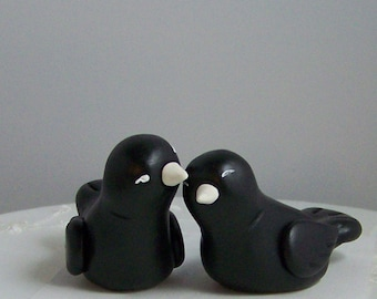 Black Bird Wedding Cake Topper - Shown in Black and White - Customizable Cake Topper Love Birds - Choice of Colors