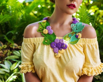 Grapes and Leaves  Romanian Point Lace Collar