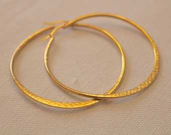 Stainless Steel Curved Etched Hoop Earrings