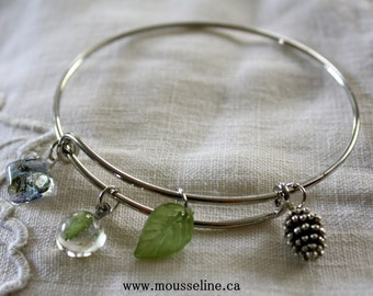 Forest wire bracelet, charm bracelet, nature charm bracelet, forget-me-not bracelet, pine cone and leaf bracelet, botanical bracelet