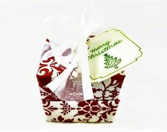 Soap Christmas Gift, Holiday Gift, Vegan Gift, Party Favors, Red & White Gift, Christmas present, Soap Gift, Gift for women, Gift for Mom