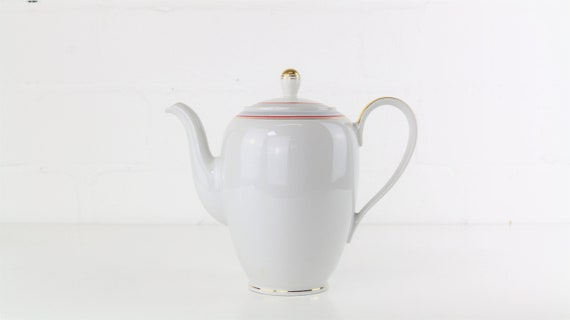 White vintage teapot Coffee pot by Kahla Deutschland DDR East Germany antique Vintage coffee pots tea Pot German pottery