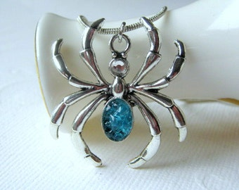 Spider Necklace, Holloween Necklace, Stained Glass Spider, Spider Jewelry, Halloween Jewelry