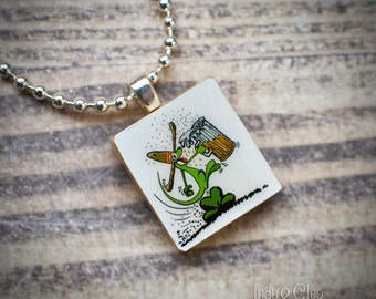 Happy GECKO Scrabble Necklace, Handmade Scrabble Tile Art Pendant, Wood Tile Pendant, Lizard Charm, Tiny Jewelry, Upcycled, Gecko Lover Gift