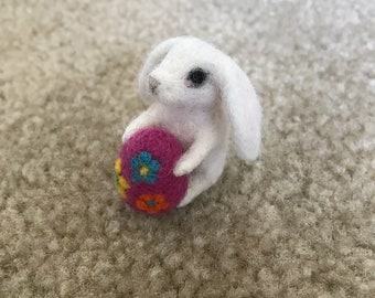 Miniature Cottontail Bunny Rabbit , Needle Felted
