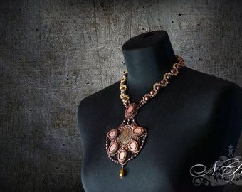 Necklace with matte crystals and pearls Swarovski. Beadwork necklace. Vintage style beaded necklace