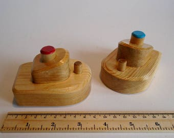 Small Wooden Toy Boat Set of 2, Bathtub Wood Boat, Handmade Waldorf Toddler Bath Toy, Birthday Kids gift, Jacobs Wooden Toys