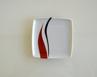 Square abstract dish, movement abstract art, modern art dish, linear, plate, porcelain dish for appetizers, hand painted by Cristina Ripper