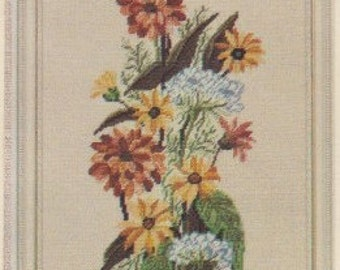 Helen Burgess Counted Thread Design. Zinnia Spray Pattern. HB4039.