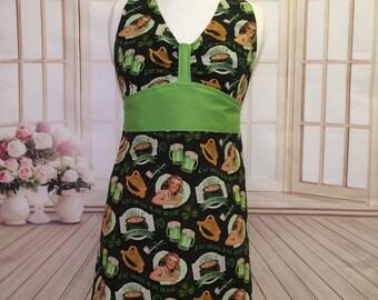 Women's apron, Saint Patrick's Day Apron, St. Patty's Day Apron, shamrock apron, green apron, vintage apron, kitchen apron, AmorysAprons