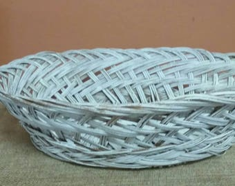 Wicker Basket/Vintage 1970s Distressed White Painted /Vintage Wedding Decor/Farmhouse Kitchen Decor/Bread Basket/Upcycle/Crafting/Storage