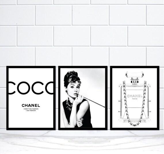 satz von 3 coco chanel audrey hepburn chanel parf m flasche. Black Bedroom Furniture Sets. Home Design Ideas