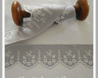 Embroidery Anglaise Clarisse gray