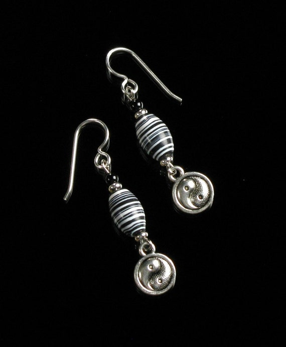 Yin Yang Silver Earrings, Black & White Dangle, Spiritual Zen Jewelry, Boho Earrings Gift, Yin Yang Earrings, Unique Birthday Gift for Mom