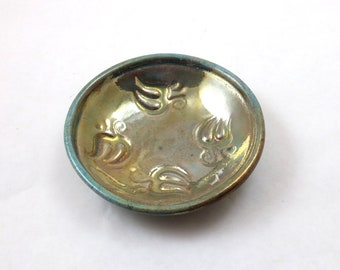 AUM bietet handgemachte Keramik Schale