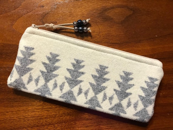 Wool Sunglasses Case / Glasses Case / Tampon Case / Zippered Pouch Silver Bark