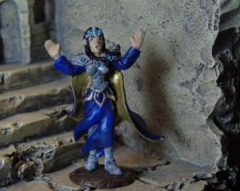D&D, Pathfinder, Dungeons and Dragons Miniature, Female Mage, Wizard, Sorceress, Handpainted Reaper Mini for Tabletop Roleplaying Games