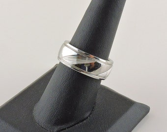 Size 8 Stainless Steel Textured Band Ring