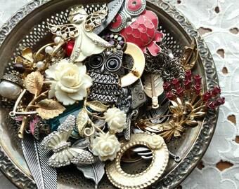 Vintage Jewelry Lot - Shabby Chic - Lot - Pink Findings - Destash Charms - Rhinestone - Brooch - heart - Flower - Owls - 1 LB - D93