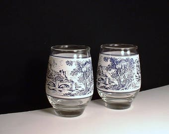 Blue and White Juice Glasses//Juice Glasses with Old World Scenery//Bridge and Trees Design Blue and White Juice Glasses// Set of 2