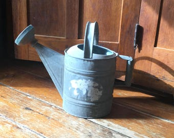 Vintage Galvanized Watering Can,Watering Can,Rusty Farmhouse