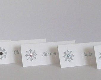 50 Place Name Cards for Weddings, Anniversaries etc Snowflake Theme with Colour Gem of your choice  Personalised  Silver or Gold