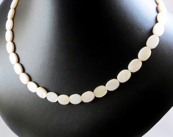 Mother Of Pearl Necklace - Mother Of Pearl Flat Oval Necklace - Mother Of Pearl Ivory Necklace - Soft White Necklace - Ivory Shell Necklace