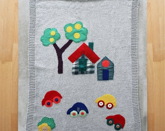 Hand knitted baby blanket, knitted baby blanket, for crib and stroller, for baby shower, designed with fabric appliques,  baby gift