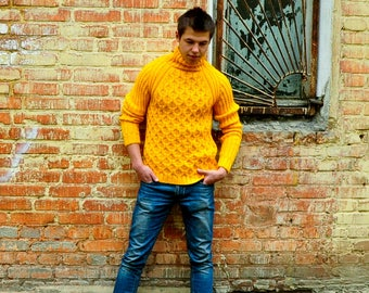 knitted a men's sweater very delicate and pleasant to the body very comfortable