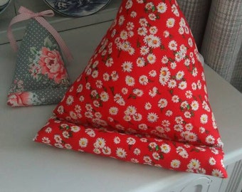 Gorgeous Red Daisy IPad, Tablet, Kindle, cushion, book stand, hospital friendly,hospital,camping