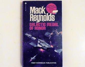 Galactic Medal of Honor: Mack Reynolds 1976, ACE Vintage Science Fiction Paperback Book 1st Print