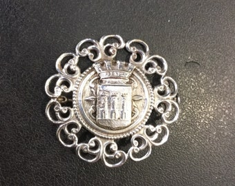 French souvenir brooch from valencay