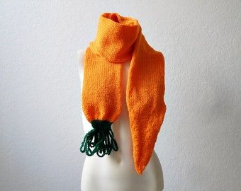 knit / Carrot Scarf