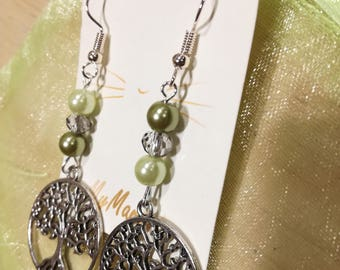Pendant earrings with green beads and tree Pendant