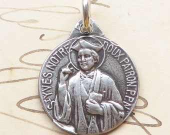 St Yves Small Medal - Patron of lawyers & attorneys - Sterling Silver Antique Replica