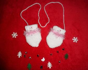 mittens baby or reborn (0-3 months)