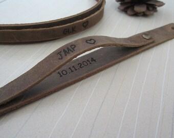 2x Personalized Couples Bracelets,Distressed Leather Engraved Bracelet,Personalized Leather Cuff,His & Hers Bracelets Friends bracelet,Gift