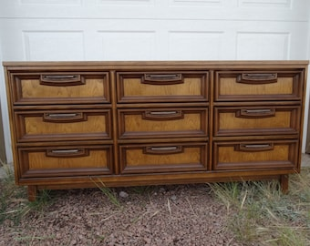 Vintage Bassett Furniture 9 Drawer Mid Century ...