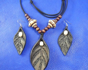 Jewelry leather set of earrings and necklace Dew, leather earrings, leather necklace pendant, leather leaf, leather jewelry, leather gift