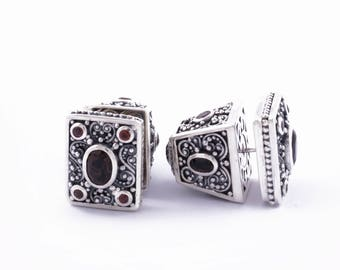 Tridatu Balinese Subeng Square / Traditional Balinese Stud Earrings / Sterling Silver / Red Garnet / Smoky Quartz / Balinese Jewelry