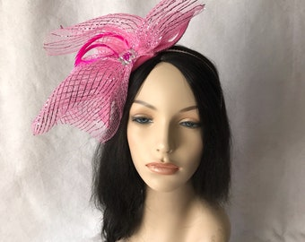 Pink Kentucky Derby fascinator hat, pink fascinator, wedding hat, mother of the bride, tea party hat, church hat, Melbourne Cup, Spring hat