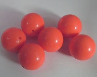 16 Vintage 15mm Bright Orange Lucite Beads Bd804