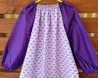 Kids Long Sleeve Art Smock - Size 3-4. Princess Crowns.