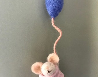 Needle felt mouse - with a balloon