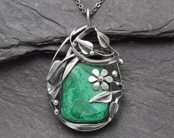 Malachite pendant,Ooak Pendant,Malachite necklace,green stone,metalwork jewelry,natural stone,natural,silver pendant,silver,jewelry,genstone