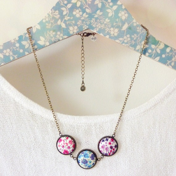 Short Liberty necklace, Colorful Liberty necklace, Summer necklace, Textile necklace, Liberty jewelry, Summer trends, Romantic necklace