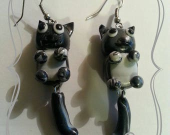 """Earring """"Black and grey tabby cat"""""""