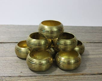 Vintage brass napkin rings, set of 8 classic banded napkin rings. Dining, vintage dining, napkin rings, decor, brass