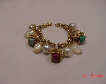 Vintage Faux Pearl & Glass Accents Bracelet   18 - 201