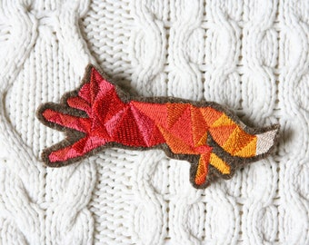 Fox - embroidered brooch